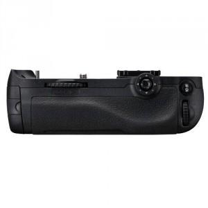 Empuñadura Nikon MB-D12