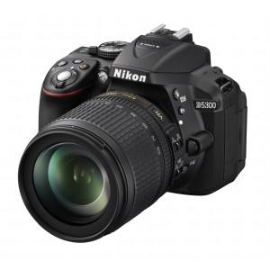 Nikon D5300 + AF-S 18-105mm VR